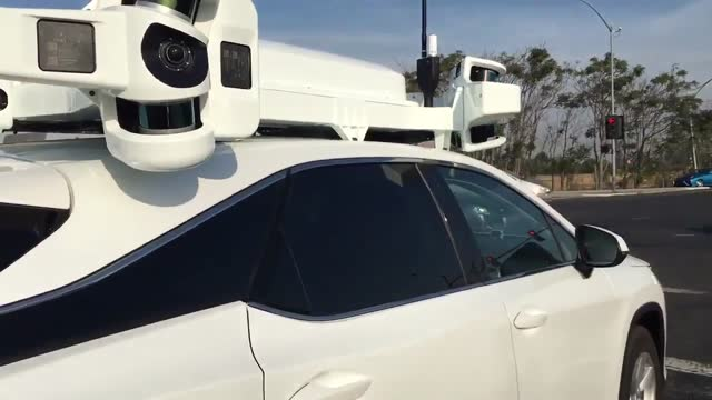 california resident maccallister higgins captured video of apple' project titan self-driving test car in sunnyvale on october 19. higgins told... - https stock-videos und b-roll-filmmaterial