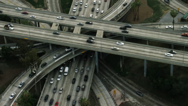 usa, california: ring roads of l.a. - thoroughfare stock videos & royalty-free footage