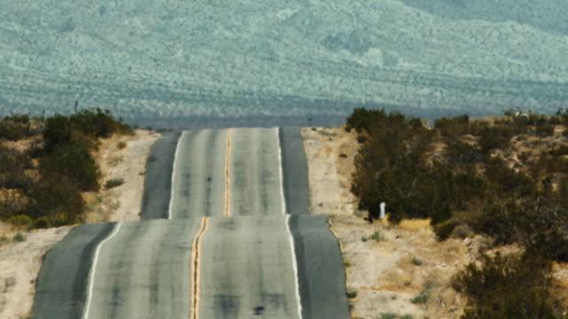 stockvideo's en b-roll-footage met california sierra nevada road trip - californian sierra nevada