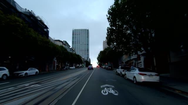 sfカリフォルニアストリートxi同期シリーズフロントビュー駆動プロセスプレート - カリフォルニアストリート点の映像素材/bロール