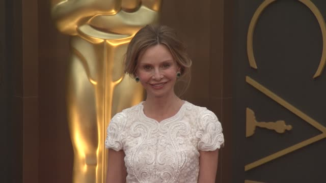calista flockhart - 86th annual academy awards - arrivals at hollywood & highland center on march 02, 2014 in hollywood, california. - calista flockhart stock-videos und b-roll-filmmaterial