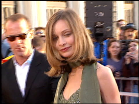 stockvideo's en b-roll-footage met calista flockhart at the 1998 screen actors guild sag awards at the shrine auditorium in los angeles california on march 8 1998 - screen actors guild awards