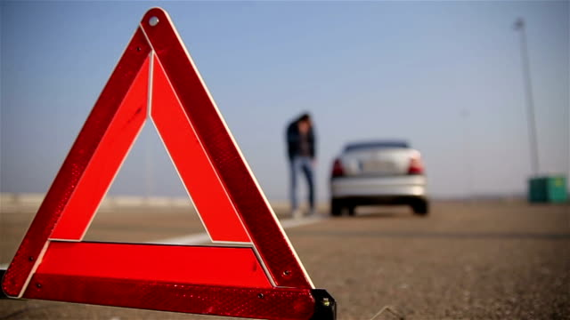 call for roadside assistance - triangle shape stock videos & royalty-free footage