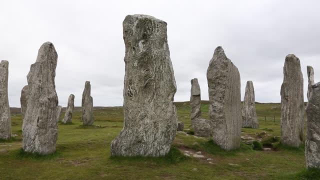 callanish standing stones and stone circle on the isle of lewis near stornoway, outer hebrides, scotland, uk. - monument stock videos & royalty-free footage