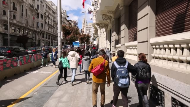 calle gran via, madrid, spain, europe - dolly shot stock videos & royalty-free footage