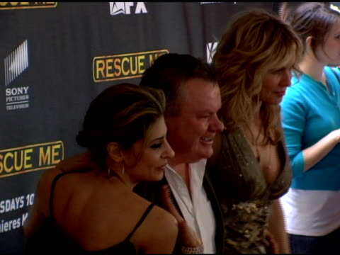 vídeos de stock, filmes e b-roll de callie thorne jack mcgee and andrea roth at the season 3 new york premiere screening of 'rescue me' at the ziegfeld theatre in new york new york on... - rescue me