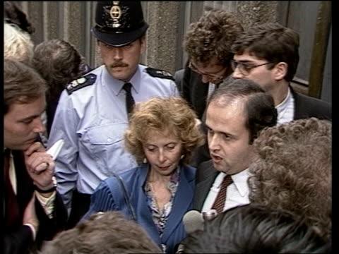 vídeos de stock, filmes e b-roll de inquest naf england london and motherclara from court sof quotto thank the coroner and jury and distressedquot cas ex eng 28secs tx'd 27683/naf... - calvi