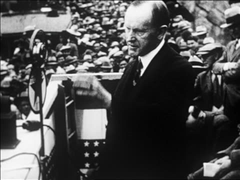 calvin coolidge speaking at dam dedication ceremony / san carlos az / newsreel - anno 1926 video stock e b–roll