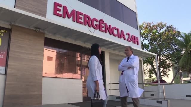camacari estaba presa del caos con los hospitales atestados de pacientes desesperados por saber que les ocurria sin sospechar que serian los primeros... - virus zika video stock e b–roll