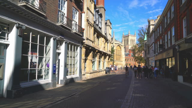 cambridge-uk, circa:street with college view in cambridge, uk - chapel stock videos & royalty-free footage