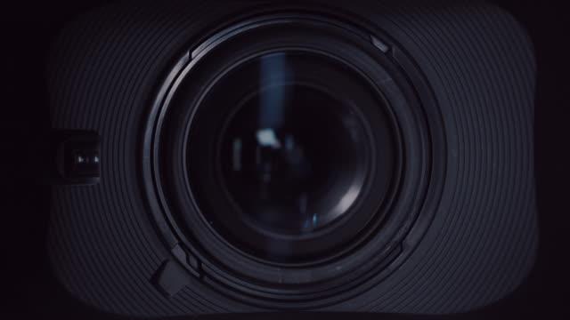 kamera und objektiv zoom, nahaufnahme - fotografie stock-videos und b-roll-filmmaterial