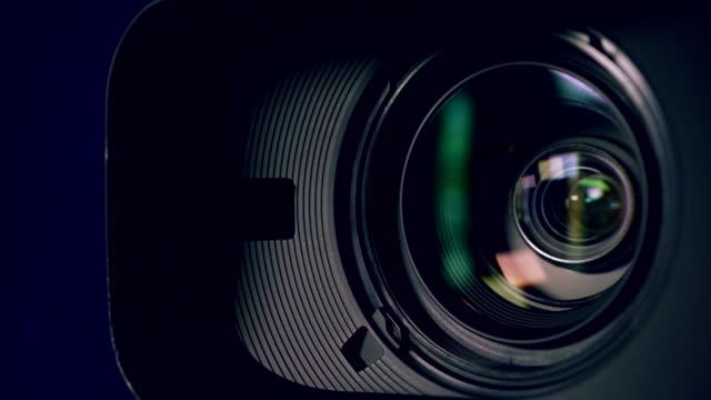 vidéos et rushes de caméra et lentille zoom, gros plan - ouverture du diaphragme