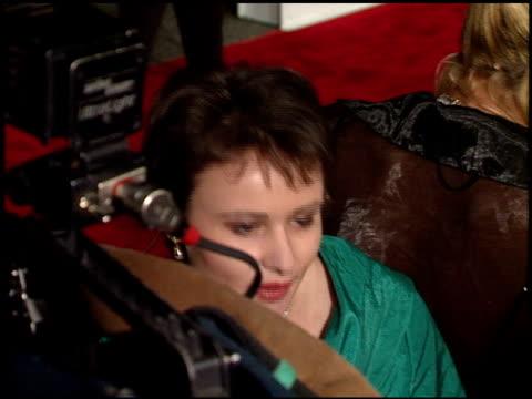 vídeos de stock e filmes b-roll de camera crews at the 1998 academy awards titanic party at new chasens in beverly hills california on march 23 1998 - 70.ª edição da cerimónia dos óscares