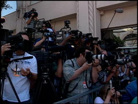 stockvideo's en b-roll-footage met camera crews at the dedication of james brolin's hollywood walk of fame star at 7018 hollywood blvd in los angeles, california on august 27, 1998. - james brolin