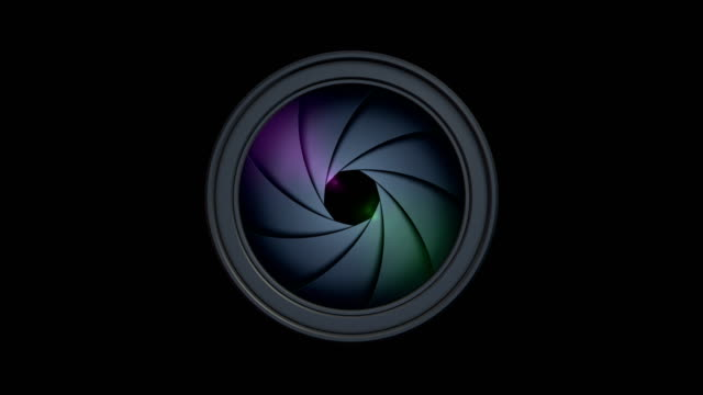 camera lens diaphragm aperture in motion (isolated 4k loop) - persiana caratteristica architettonica video stock e b–roll