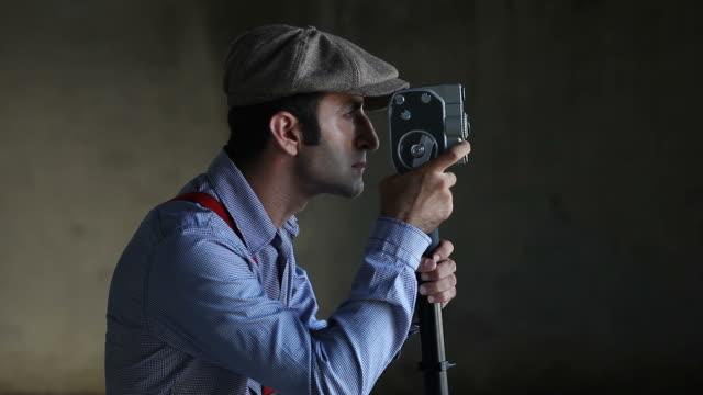 vídeos y material grabado en eventos de stock de operador de cámara y director de filmación - operar