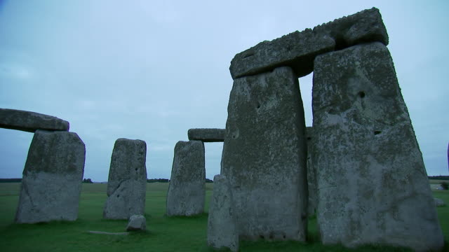 camera pan inside the stone circle at stonehenge on august 28, 2018 in wiltshire, england. - music or celebrities or fashion or film industry or film premiere or youth culture or novelty item or vacations stock videos & royalty-free footage