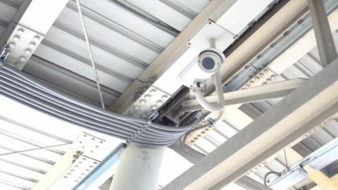 vídeos y material grabado en eventos de stock de cámara cctv - equipo de seguridad