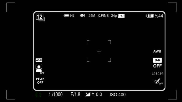 sucher iso und verschlusszeit geschwindigkeit kameraanimation - digitalkamera bildschirm stock-videos und b-roll-filmmaterial