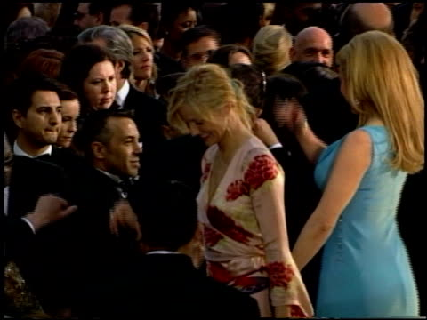 cameron diaz at the 2002 academy awards at the kodak theatre in hollywood california on march 24 2002 - 2002 bildbanksvideor och videomaterial från bakom kulisserna