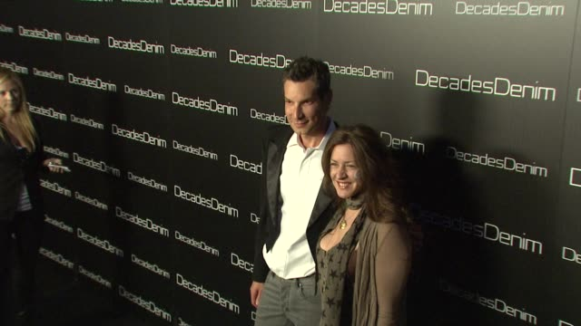 vídeos de stock e filmes b-roll de cameron silverand and joely fisher at the decades denim launch party at beverly hills ca - joely fisher
