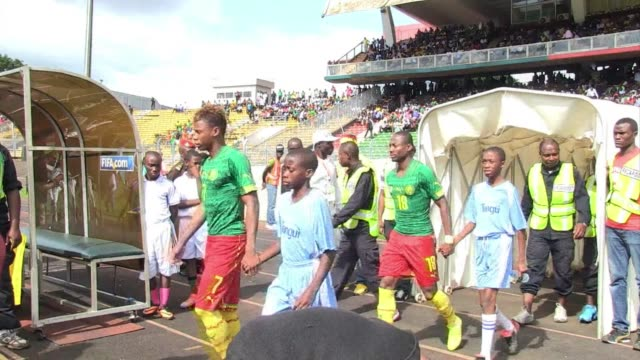 cameroun beat sierra leone 20 in qualifying for the 2015 africa cup of nations - qualification round stock videos & royalty-free footage