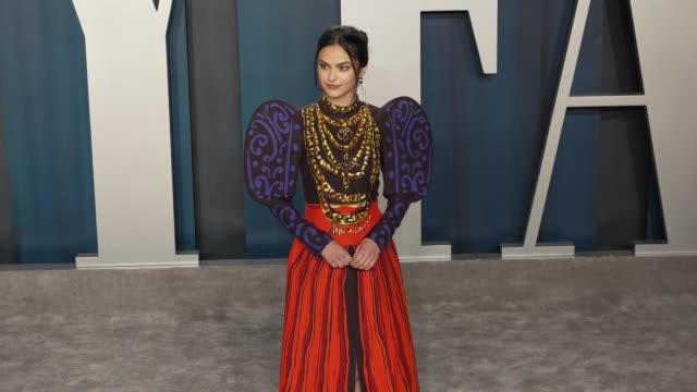camila mendes at vanity fair oscar party at wallis annenberg center for the performing arts on february 9, 2020 in beverly hills, california. - vanity fair stock-videos und b-roll-filmmaterial