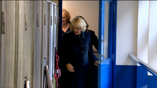 stockvideo's en b-roll-footage met camilla duchess of cornwall visits battersea cats and dogs home camilla visit camilla duchess of cornwall and paul o'grady holding camilla's jack... - paul o'grady