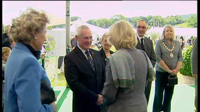 vídeos de stock e filmes b-roll de camilla duchess of cornwall visits hay festival and reads to children england herefordhshire hayonwye throughout*** close shots hay festival banner /... - hay on wye