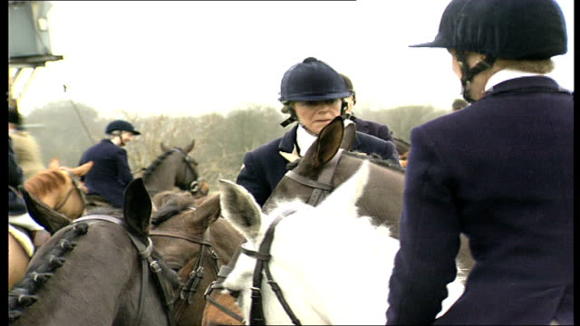 camilla parkerbowles on horse with huntspeople england gloucestershire near highgrove house ext camilla parkerbowles on horse chatting with glos /... - camilla duchess of cornwall stock videos and b-roll footage