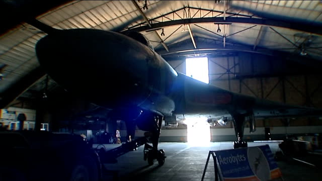 campaign to save last vulcan bomber leicestershire mike pollitt interview sot restored vulcan aircraft in hangar ext vulcan plane being transported... - レスターシャー点の映像素材/bロール