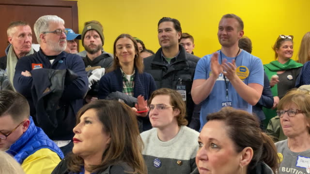 campaign volunteers during a canvassing launch event with democratic presidential candidate former south bend, indiana mayor pete buttigieg on... - south bend indiana stock videos & royalty-free footage