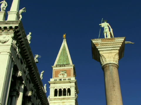 la ms zi cu campanile in st. mark's square between libreria sansoviniana and column of san teodoro / venice, italy - male likeness stock videos & royalty-free footage