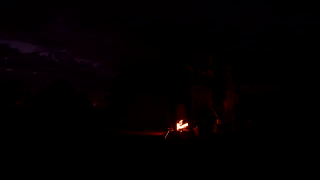 ds campfire in the himba village - warming up stock videos & royalty-free footage