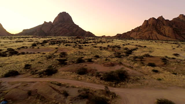 HELI-Camping in der Berg Spitzkoppe