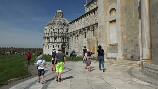 campo dei miracoli with baptistry and santa maria assunta cathedral, pisa, tuscany - pisa cathedral stock videos & royalty-free footage