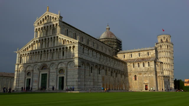 campo dei miracoli with santa maria assunta cathedral and leaning tower, pisa, tuscany - pisa cathedral stock videos & royalty-free footage