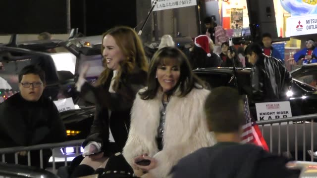 camryn grimes kate linder on hollywood blvd at the 85th annual hollywood christmas parade in hollywood in celebrity sightings in los angeles - sfilata di natale di hollywood video stock e b–roll
