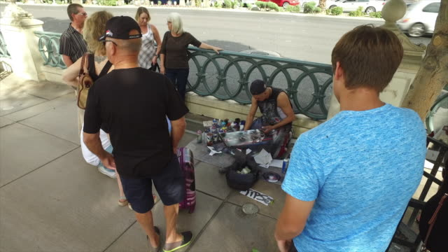 can spray painting art on the street of las vegas - gratuity stock videos & royalty-free footage