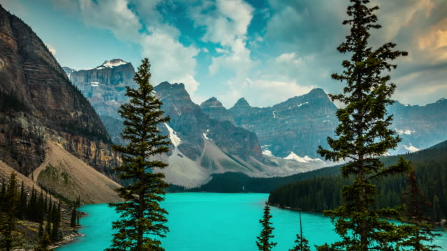 canada, moraine lake in banff national park - time lapse - valley of the ten peaks stock videos & royalty-free footage