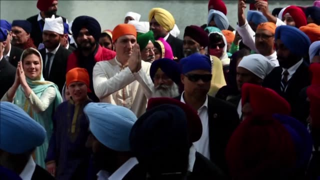 canada pm justin trudeau visits sikh golden temple in amritsar in a tour of the country marred by reports he has been snubbed by political leaders... - punjab india stock videos and b-roll footage