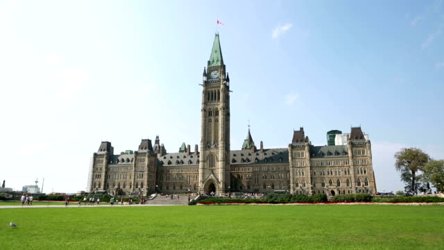 canadian parliament time lapse - parliament hill stock videos and b-roll footage