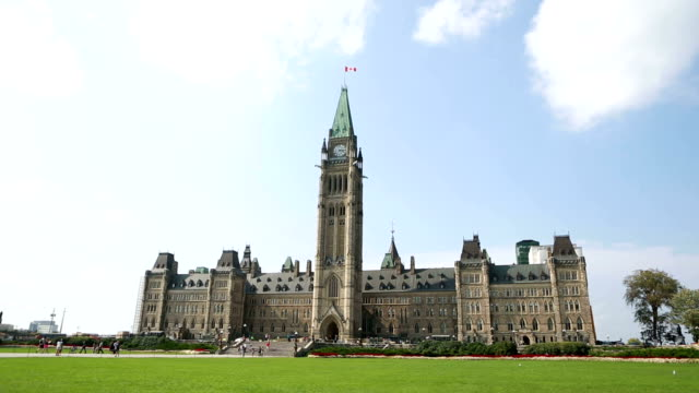 canadian parliament time lapse - parliament hill stock videos & royalty-free footage