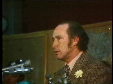 canadian prime minister pierre elliott trudeau addresses the canadian group of observers in montreal following the signing of the peace-treaty... - (war or terrorism or election or government or illness or news event or speech or politics or politician or conflict or military or extreme weather or business or economy) and not usa stock videos & royalty-free footage