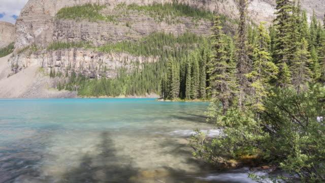 canadian rockies: moraine lake - fang stock-videos und b-roll-filmmaterial