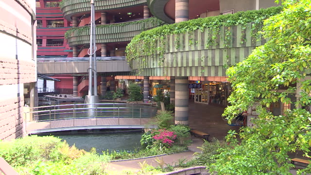 Canal City Hakata is a commercial complex opened in Fukuoka city in April 1996 The building was designed by American architect/the mall specialist...