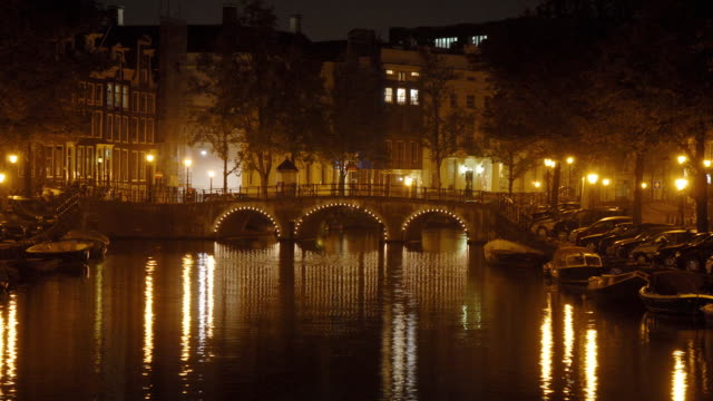 T/L, WS, Canal illuminated at night, Amsterdam, North Holland, Netherlands