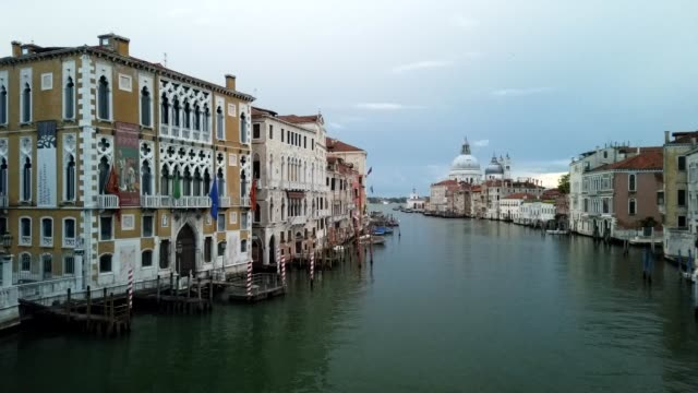 canale grande timelapse, venice, italy - ponte stock videos & royalty-free footage