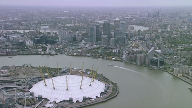 aerial ws canary wharf and o2 arena - dome stock videos & royalty-free footage