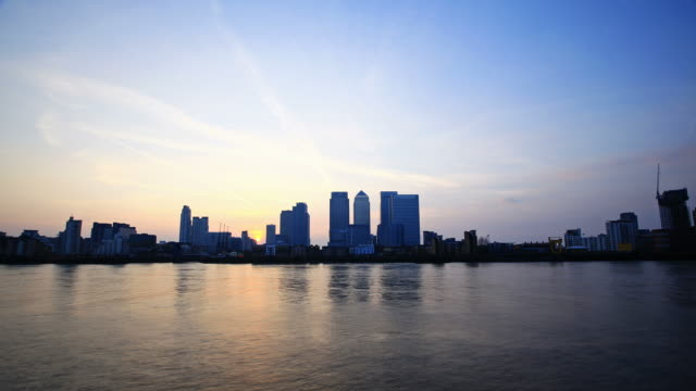 canary wharf day to night time-lapse - skyline stock videos & royalty-free footage